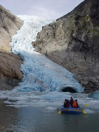 Olden: Briksdal glacier