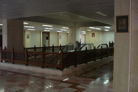 Haffa House : Escalator
