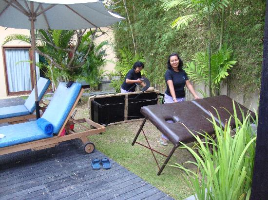 Alam Warna: in villa massage - fabulous and well-priced!