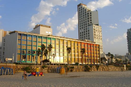 Dan Tel Aviv Hotel : view from the beach