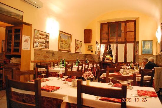 Inside Trattoria Dardano