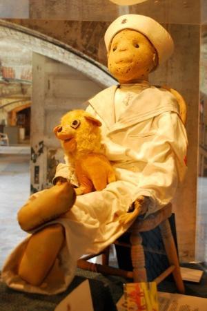 Fort East Martello Museum : Robert the Doll