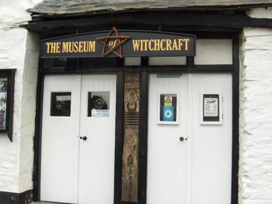 The Museum of Witchcraft: Front door Witch Museum