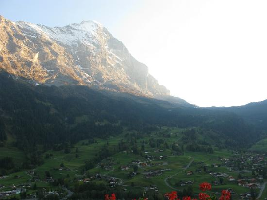 Belvedere Swiss Quality Hotel: View from Belvedere balcony-sunset Eiger