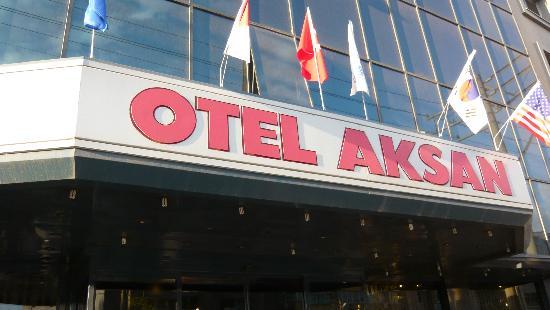 Aksan Hotel: ホテル正面