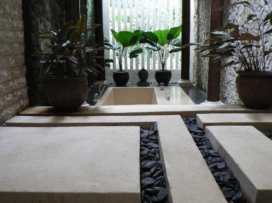 Villa di Abing: Bathroom fit for a king