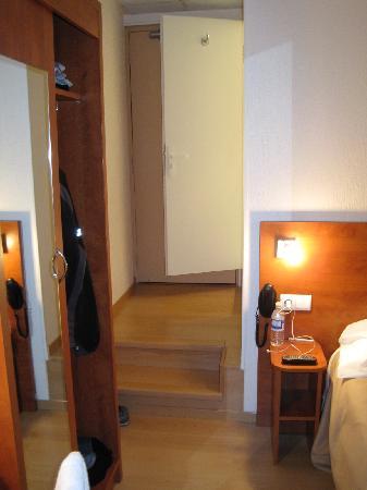 Hotel Daval: view of door ad bathroom door