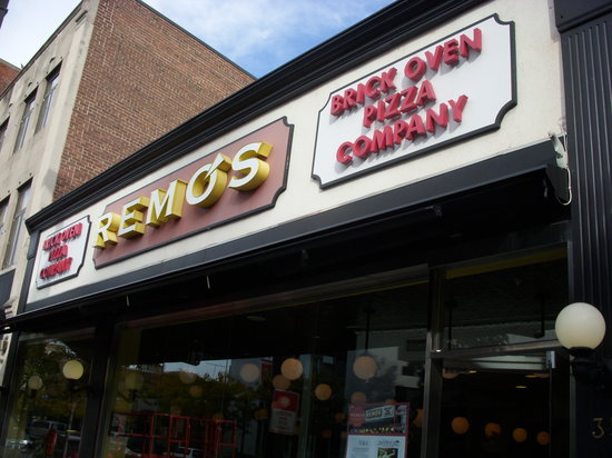 Remo's Brick Oven Pizza : Exterior of Remos