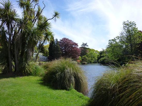 梦娜维尔花园