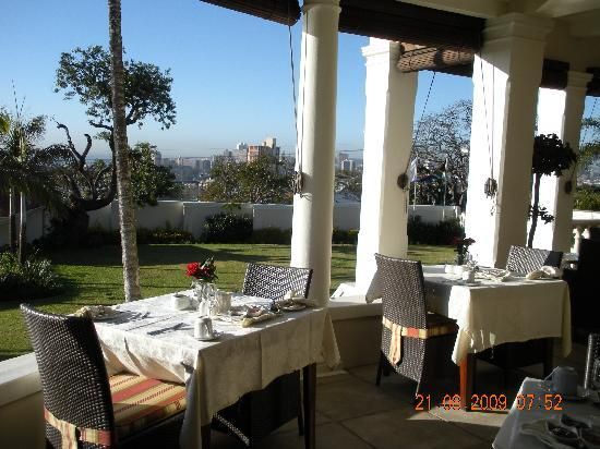 African Pride Audacia Manor Boutique Hotel: The veranda where breakfast is served