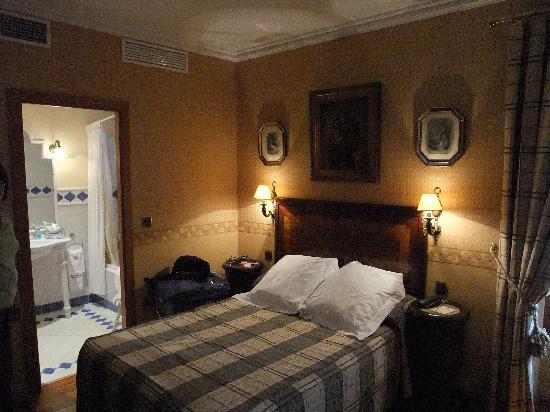 Hotel La Llave de la Jurderia: Room 209