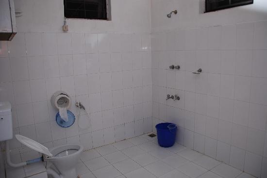 Fort Heaven Residency: bathroom