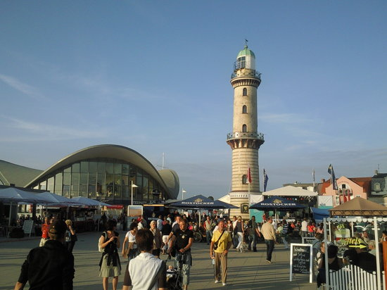 Warnemnde, Jerman: The Warnemünde Lighthouse and Teepot