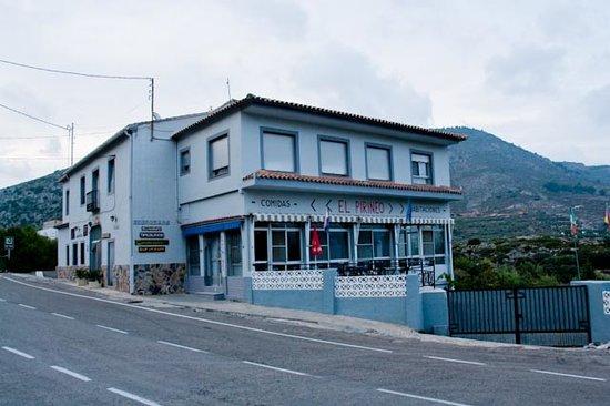 Pension  El Pirineo: Hotel