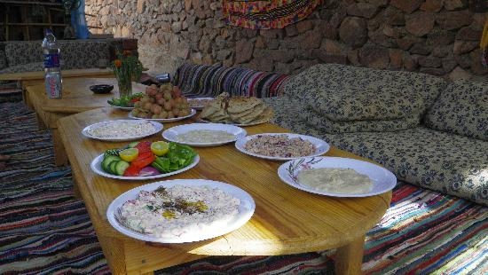 El Milga Beduin Camp: lunch