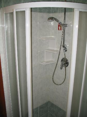 Hotel Axial: banheiro