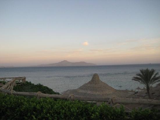 Sea Club Royal Nubian Island: tramonto dalla terrazza dell'hotel