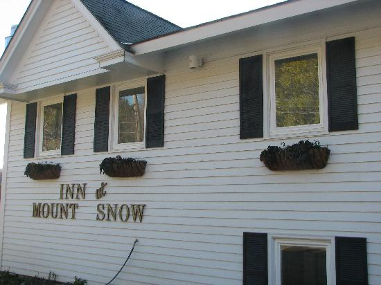 Inn at Mount Snow: outside