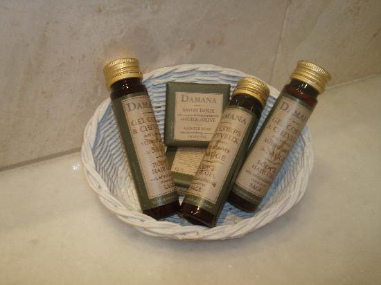 Bathroom freebies in Congo Palace hotel, Glyfada