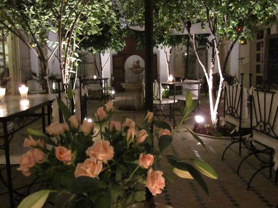 Riad Clémentine: El patio