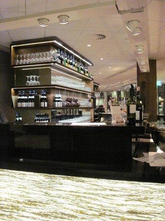 New Dorrius: Great bar