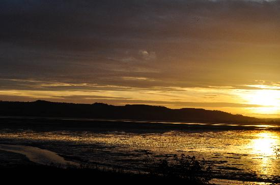The Haven B&B: Sunset over Montrose Basin