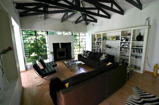 Bloomestate: reading room