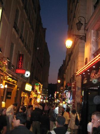 Les Argonautes: the street