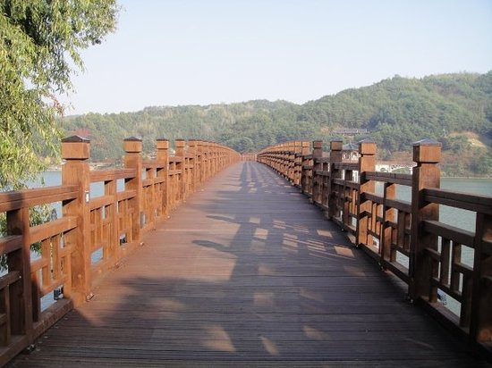 Wolyeonggyo Bridge, Andong