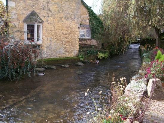 Bourton-on-the-Water Picture
