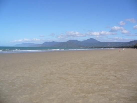Four Mile Beach, Port Douglas, QLD