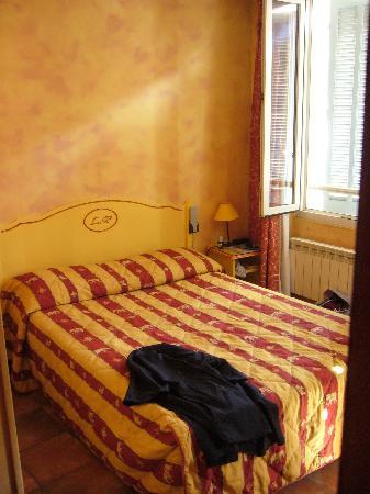Hotel Little Palace: Chambre & lit double