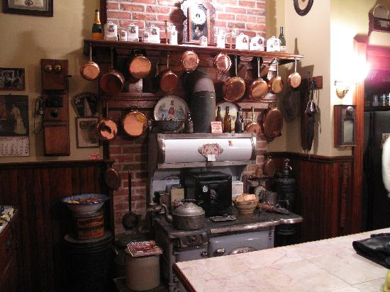 The Frederick Stegmaier Mansion: What a kitchen