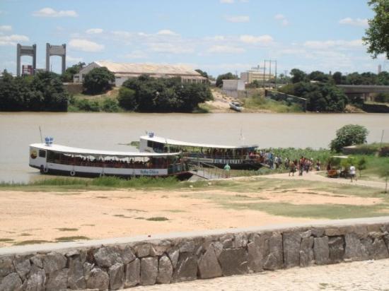 Petrolina - Rio São Francisco ( Barcos de travessia rumo a Juazeiro do Norte)