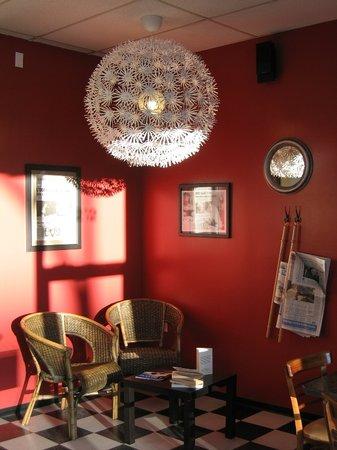 Caffe Arianna: reading area