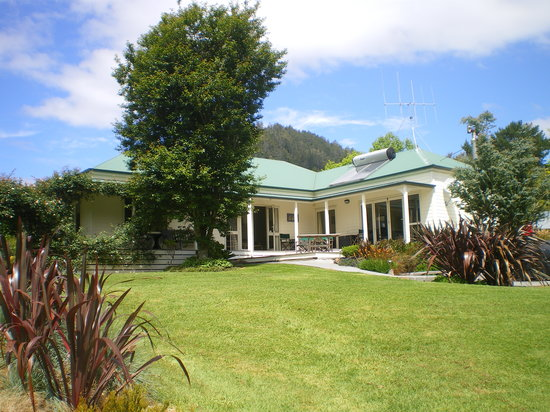 Copsefield Bed and Breakfast: Garden bliss at Copsefield