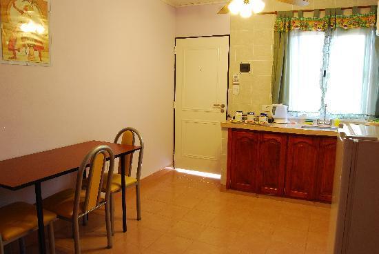Bosetti Apart Hotel: Cocina comedor de una habitación