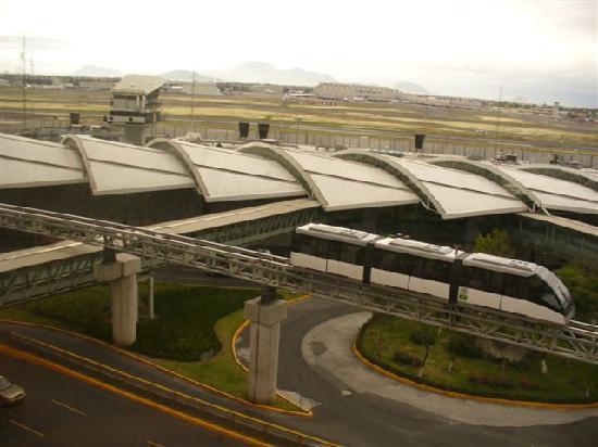 Camino Real Aeropuerto: view