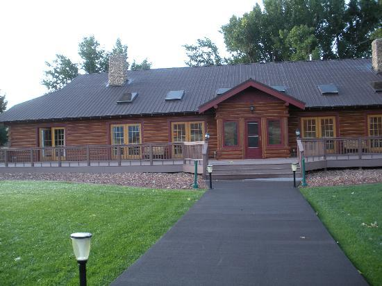 The Trapper Creek Lodge: Trapper Creek Lodge/The Hideout