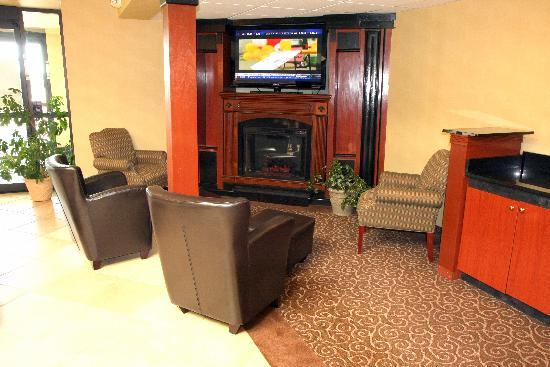 Best Western Plus Augusta Civic Center Inn : Relax or meet your friends in our newly renovated lobby area.