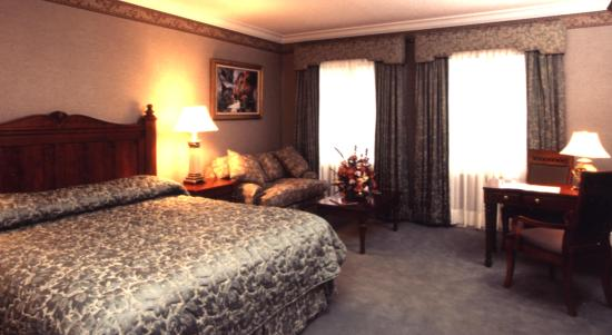 The Copperfield Inn Resort: Standard King Room