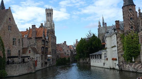 Hotel Erasmus: Canal near hotel