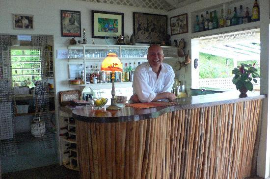 Beau Rive : Mark Steele, proprietor