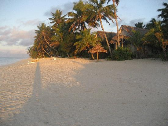 Titikaveka, Cook Islands: sunrise