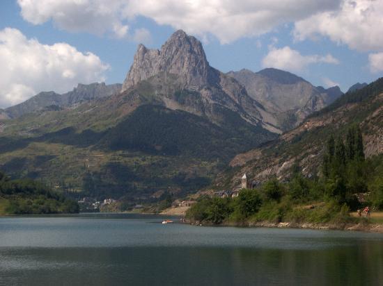 El Pueyo de Jaca, Spanien: lake lanuza