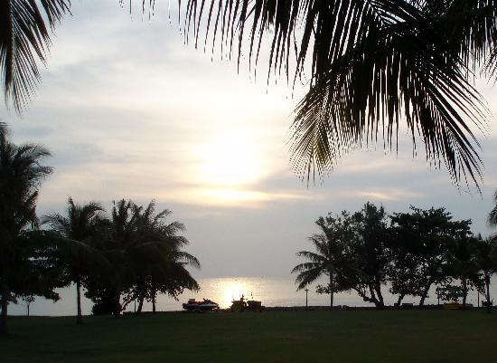 Thistle Port Dickson Resort : Fantastic Sunset views