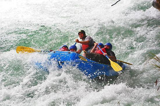 Parador Resort and Spa: Rafting tour - great idea!
