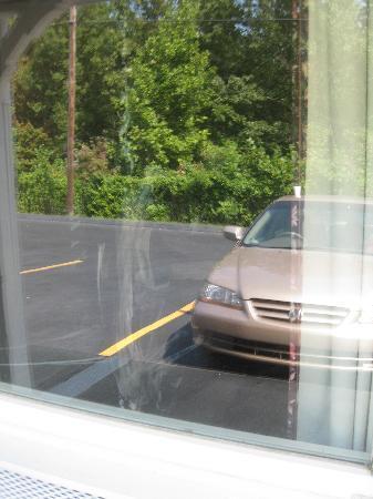 Corbin Knights Inn: window stains