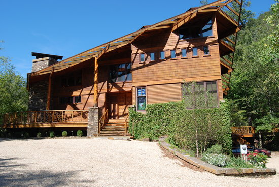 Photo of Cedar Crest Lodge & Cabin Ponca