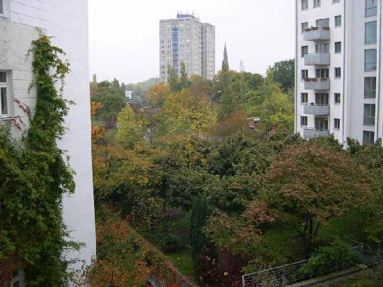 Ibis Berlin Mitte: View from the 3rd Floor room window